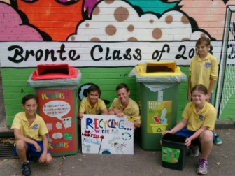 Bronte Public School students with the new Cabri Topp bins