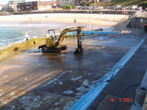 North Bondi Pool Cleaning 2